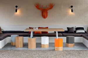 Table-hexacubes-moose
